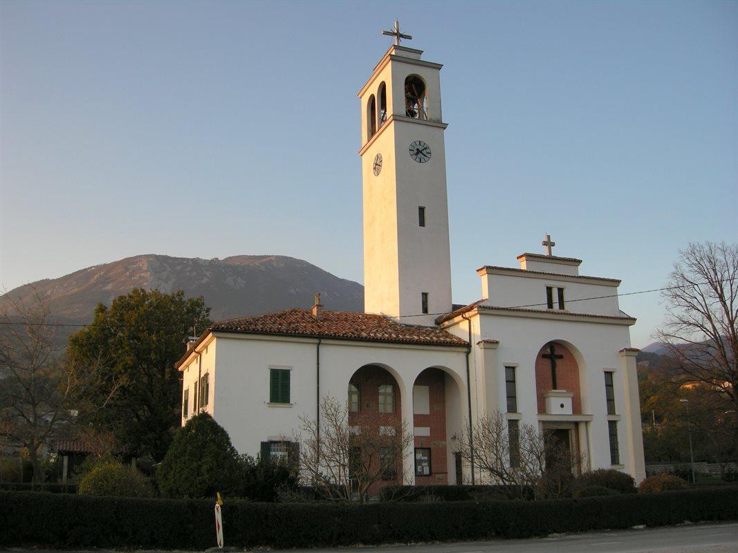 Župnijska cerkev Lokavec